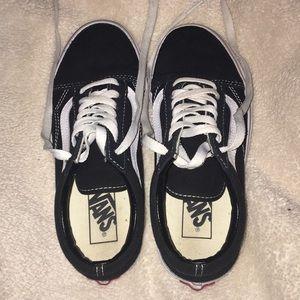 Vans Old Skool Shoes Black/White Size 5.5 US Woman